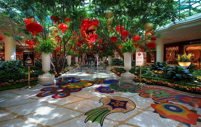 Wynn superior tile stone ca nv or wa for Wynn hotel decor